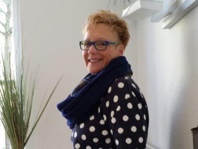 Frau Sabine Schwarz